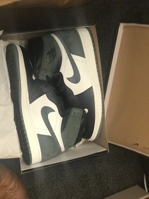 Jordan 1 DS Clay Green size 12 with receipt DS for Sale in Chicago, IL