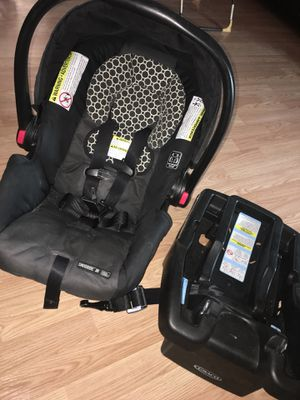 Graco car seat with base for Sale in Austin, TX