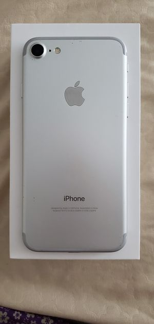 iPhone 7 UNLOCKED for Sale in Wheaton, MD