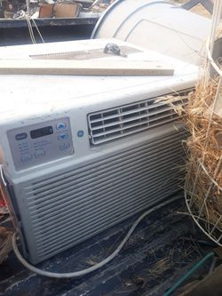 GE Window AC Unit 12k btu 220volt for Sale in Willow Springs,  CA