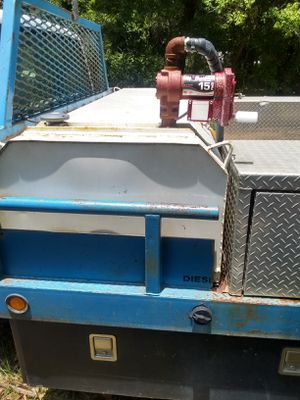 225 gallon transfer tank with 12V transfer pump. $400.00 for Sale in Lakeland, FL