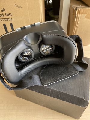 Virtual reality glasses for Sale in Anaheim, CA