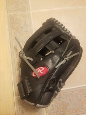 13 inch softball mit for Sale in Denver, CO