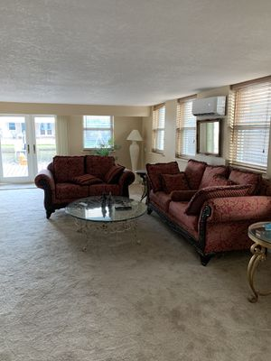 Living room set couch and loveseat for Sale in Fort Lauderdale, FL