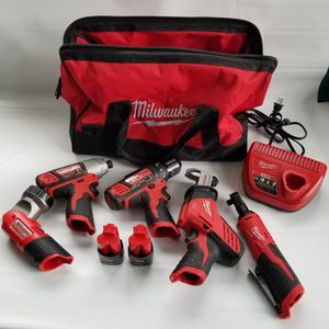 Milwaukee 2498-25 M12 12-Volt Lithium Ion Cordless Combo Kit (5-tool) With (2) 1.5Ah Batteries, Charger and Bag, Like New, PRICE IS NOT NEGOTIABLE. for Sale in Rolling Meadows, IL