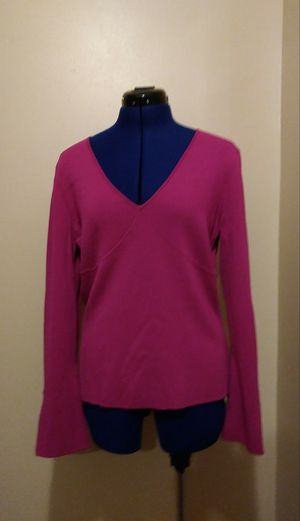 Ladies pink sweater for Sale in Springfield, MA