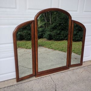 Thomasville Trifold Mirror for Sale in Duluth, GA