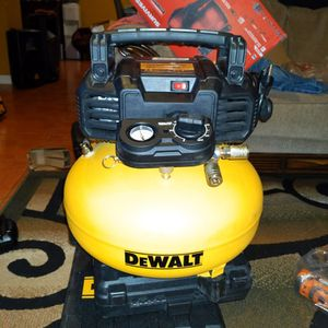 DEWALT 6 Gal. Heavy-Duty Electric Air Compressor for Sale in Bakersfield, CA