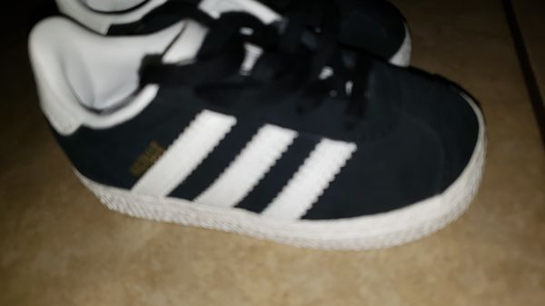 Baby Adidas shoes size 5