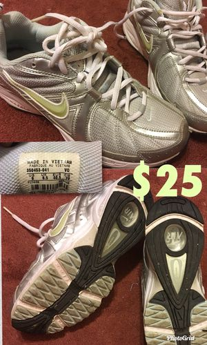 Nike women's shoes for Sale in Clyde, TX