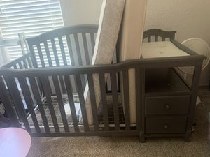 Baby crib with changing table and matching dresser for Sale in Riverview, FL