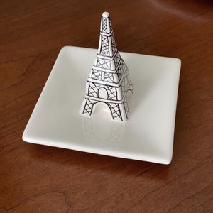 Anthropologie Eiffel Tower Ring dish Trinket Tray for Sale in Newport News, VA