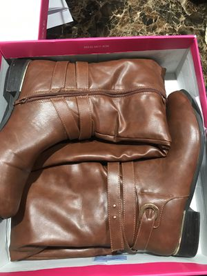 Women's Boots Size 9.5 for Sale in Columbus, OH