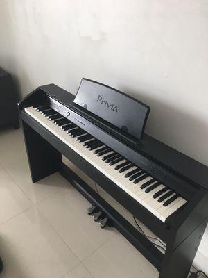 Piano Privia PX-750 for Sale in Miami, FL