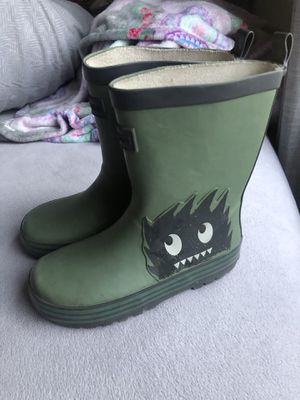 Boys rain boots size: 10 cotton kids for Sale in Industry, CA