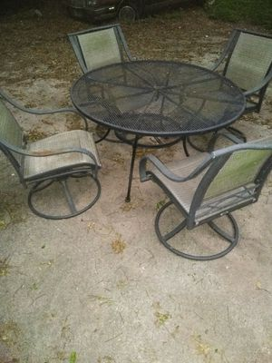 Patio outside furniture in good condition ready for the summer and BBQs for Sale in San Antonio, TX