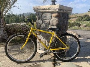 Giant Mountain Bike for Sale in Alpine, CA