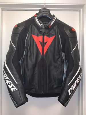 Dainese SUPER SPEED D1 LEATHER JACKET 52 for Sale in Burbank, CA