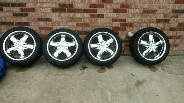 4 Vault Wave Chrome 17 inch rims, universal bolt pattern, includes 4 gently used Velluza tires