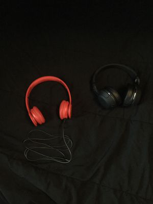 Beats by Dre and Bluetooth skull candy headphones for Sale in Saint Marys, OH