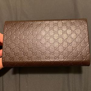 Gucci Sunglasses Case That Folds Into A Wallet for Sale in Salem, OR