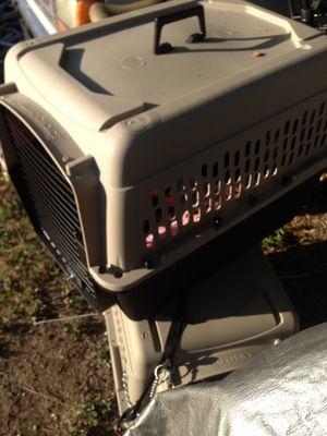 Medium dog crate for Sale in Dallas, TX