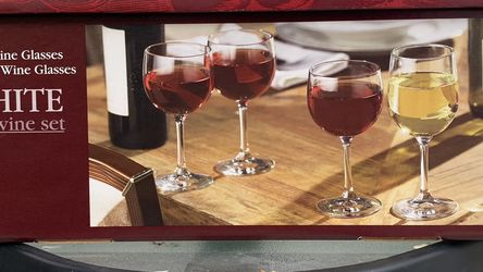 Red and White wine set Libey 16pc New for Sale in Tustin,  CA