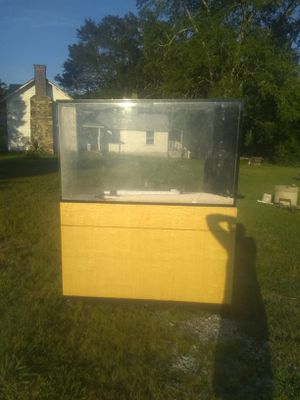 Fish tank and accessories for Sale in Burlington, NC