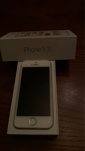 Like new I Phone 5S 16 GB Unlocked..... for Sale in Brookfield, WI