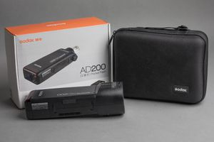 Godox AD200 Flash Unit/Pocket Strobe for Sale in Chicago, IL