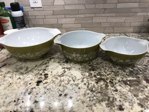 Pyrex Green Daisy bowls for Sale in Long Beach, CA