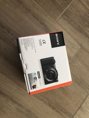 Sony a5100 white for Sale in Henderson, NV