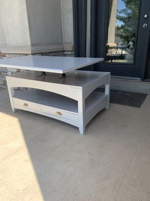 Amazing TV dinner coffee table :) for Sale in Kaysville, UT