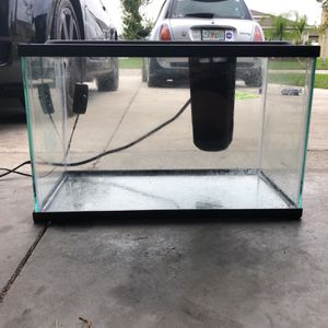 5 Gal Fish Tank for Sale in Gibsonton, FL