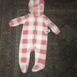Old Navy Baby Girl's Hooded Pink Plaid Sherpa One Piece Suit, Size 6-12 Months for Sale in San Diego, CA