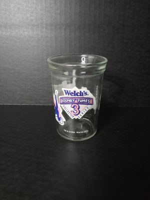 WELCH'S LOONEY TUNES COLLECTORS GLASS for Sale in Brownsville, TX