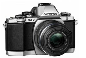 Olympus OM-D E-M10 16.0 MP Digital Camera -Silver with 45mm Lens & 14-42mm Lens for Sale in New York, NY