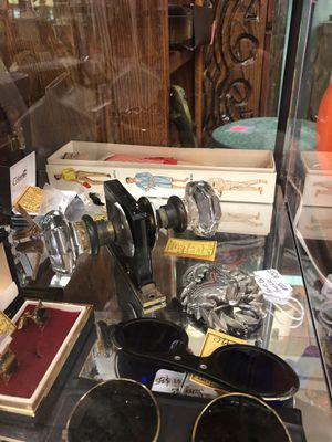 Antique Glass Door Knobs with lock for Sale in Vancouver, WA