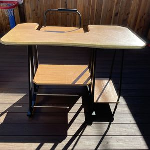 Computer Table for Sale in Inglewood, CA