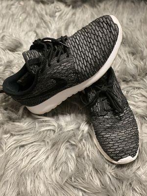 Nike Roshe women's shoe size 9.5 for Sale in Columbia, SC