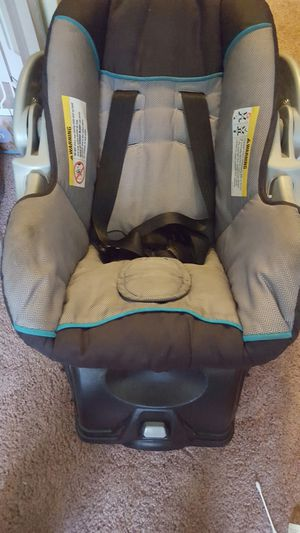 Car Seat with Base for Sale in Dayton, OH