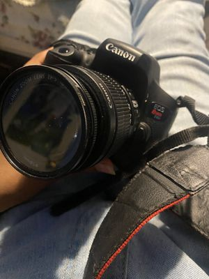 Canon rebel t6i for Sale in Houston, TX