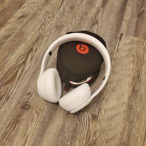 Beats solo3 wireless headphones for Sale in Fresno, CA