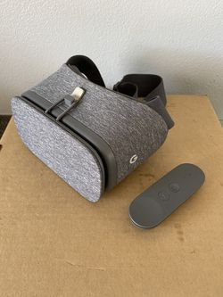 Google daydream vr headset for Sale in San Diego,  CA