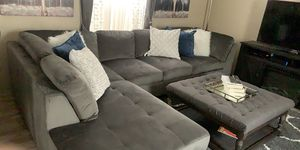 Sectional with ottoman table for Sale in Sterling Heights, MI
