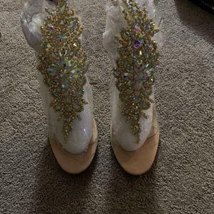 Cute Pair Of Heels Size 8.5 for Sale in Jonesboro, GA