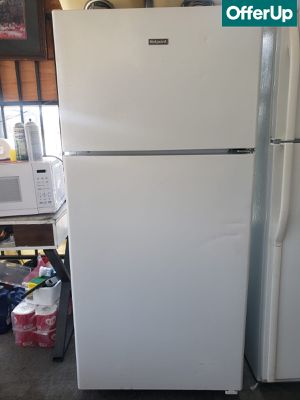 🚚💨Top Mount Hot Point Refrigerator Fridge White #777🚚💨 for Sale in Rialto, CA