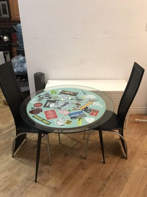 """36"""" Breakfast Table and Chairs for Sale in Los Angeles, CA"""