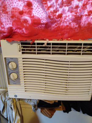 Nice window AC ice cold for Sale in Columbus, OH