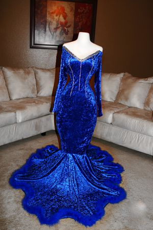 BLUE PROM DRESS for Sale in Selma, TX